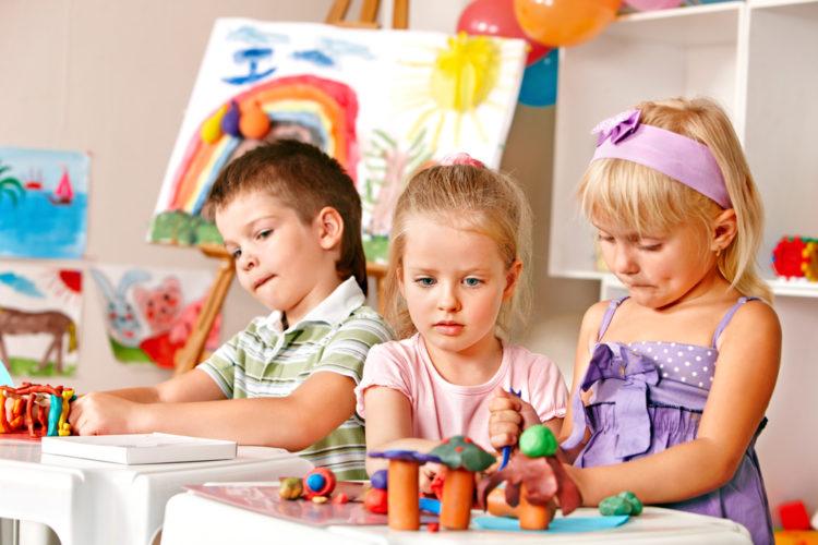 group-of-kids-in-kindergarten
